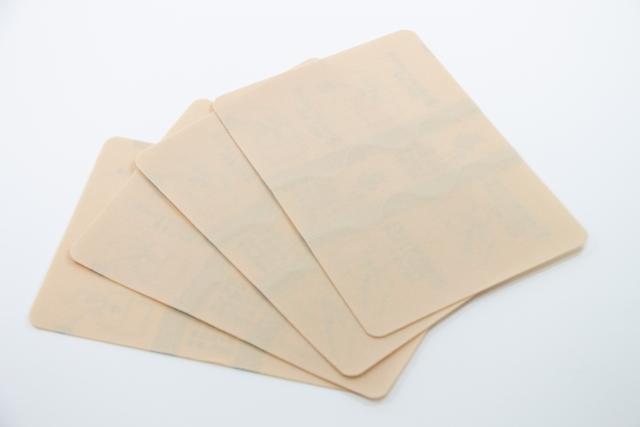 湿布との付き合い方〜肩こりにお悩みの方へ、湿布の種類と選び方を解説